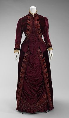 French Victorian Dress, House of Worth, Charles Frederick Worth, ca. Brooklyn Museum Costume Collection at The Metropolitan Museum of Art. 1880s Fashion, Victorian Fashion, Vintage Fashion, Victorian Era, Victorian Dresses, French Fashion, Gothic Fashion, Women's Fashion, House Of Worth