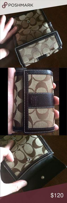 Coach Trifold Wallet EUC Coach Trifold Wallet EUC Coach Bags Wallets