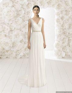 35 vestidos de noiva retos para um casamento ao ar livre #casamentos #casamento #wedding #weddings #weddingdress #vestidodenoiva #look #fashion