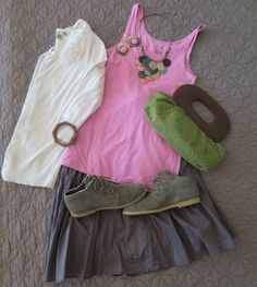 #spring #style with the #bearpaw #claire #bootie for #flatlay #friday  #bearpawstyle #flatlayfriday #nordstrom #fossil #pink #green #bearpaweurope #bearpaw_kr #bearpawlatam #bearpawmongolia