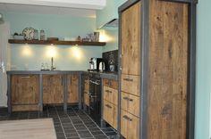 Kitchen Inspirations, New Kitchen, Industrial Furniture, Kitchen Cabinets, Home, Basement House, Loft Kitchen, Home Decor, Compact Kitchen