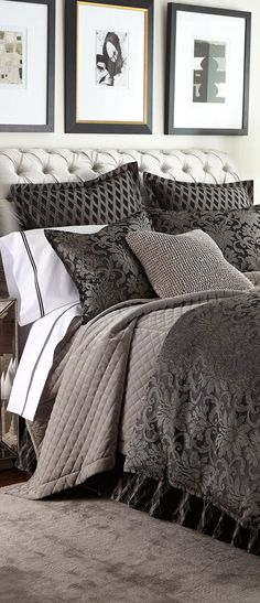 ♔ Bedroom Love the tufted headboard but wonder if it is practical. We read, use tablets etc..in bed I am thinking hair oil and newsprint? But I love it