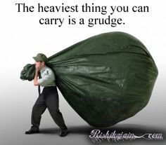 Holding onto a grudge is never the answer to make up for what someone else has done to you. It's a continual emotional and psychological slap in your face. Great Quotes, Quotes To Live By, Inspirational Quotes, Fabulous Quotes, Awesome Quotes, Motivational, Forgiveness Quotes, Jehovah's Witnesses, New Energy