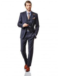 BALDESSARINI look // collection spring/summer 2015 // Look: AMBITIOUS GENT BLUE // Suit: La Guardia made of virgin wool // Vest: Aarhus // pochette: made of silk // shirt: button-down shirt shaped fit // Men's fashion // pure personality https://www.baldessarini.com/shop/looks/