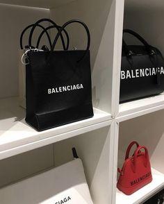 Design Hotel Paris, Balenciaga Bag, Design Furniture, Rich Girl, Prada Bag, Luxury Bags, Louis Vuitton Handbags, Purses And Bags, Tote Bag