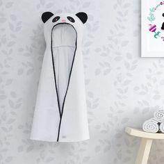 f4de909e9 A hora do banho vai ficar ainda mais divertida com a Toalha com Capuz Kids  Panda
