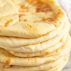 Making your own homemade pita bread is both easy and inexpensive. No need to pay the grocery store markup. Fresh is best anyway! How To Make Bread, Food To Make, Bread Making, Bread Recipes, Cooking Recipes, Aloo Recipes, Milk Recipes, Egg Recipes, Copycat Recipes