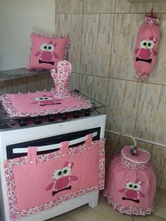 Baby Sewing Projects, Sewing Crafts, Kitchen Towels Hanging, Designer Bed Sheets, Clothing Store Displays, Kitchen Games, Glamour Decor, Bathroom Crafts, Laundry Room Inspiration