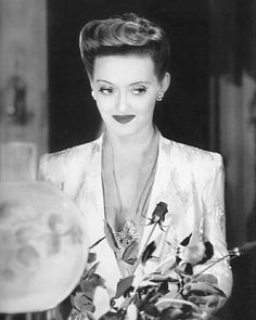 Bette Davis as Charlotte Vale in Now, Voyager (Irving Rapper, 1942)