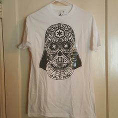 "T-shirt white with sugar skull Darth Vader White t-shirt size small active fit new with tags. Sugar Skull Darth Vader. Says ""Yo Soy tu Padre"" Target Tops Tees - Short Sleeve"