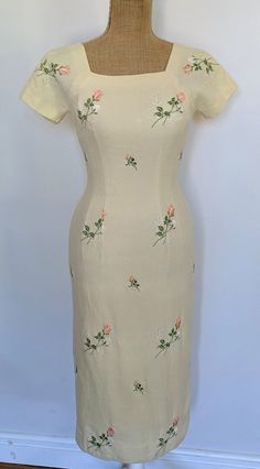1960's Anne Fogarty embroidered wool wiggle dress image 1 Rose Embroidery, Dress Images, Wiggle Dress, Vintage Dresses, 1960s, Dress Outfits, Ready To Wear, Vintage Fashion, Short Sleeve Dresses
