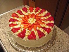 Erdbeertorte mit zarter Joghurtcreme Strawberry cake with soft yoghurt cream 4 Cupcake Recipes, Baking Recipes, Cookie Recipes, Low Carb Cupcakes, Easy Cake Decorating, Easy No Bake Desserts, Tiramisu Cake, Creative Cakes, No Bake Cake