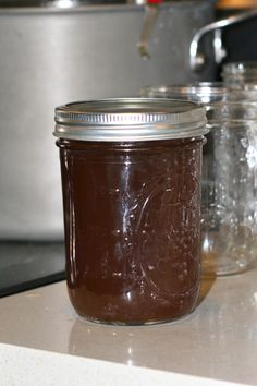 Sipping on some siz-yrups: Making homemade maple syrup (part deux) How To Make Pancakes, Making Pancakes, Maple Syrup Taps, Homemade Maple Syrup, Canning Vegetables, Edible Food, Sweet Sauce, Edible Plants, Hobby Farms