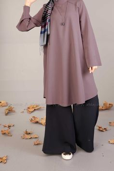ALLDAY Turkish fashion, Hijab style wide leg pants and tunic, nice colors for fa. ALLDAY Turkish fashion, Hijab style wide leg pants and tunic, nice colors for fa… Fifties Fashion, Modest Fashion, Fashion Outfits, Fall Fashion, Trendy Fashion, Modele Hijab, Mode Abaya, Moslem Fashion, Turkish Fashion