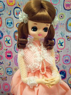 Stool sitting pose doll by gina678, via Flickr