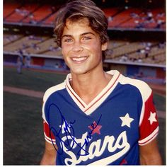 Old parks and rec rob Lowe is hot. But young rob Lowe makes me wish I was a teenage back in the day so I could love him all over again! Beautiful Boys, Pretty Boys, Beautiful People, Young Celebrities, Celebs, Young Actors, Hot Actors, Rob Lowe Young, Rob Lowe 80s