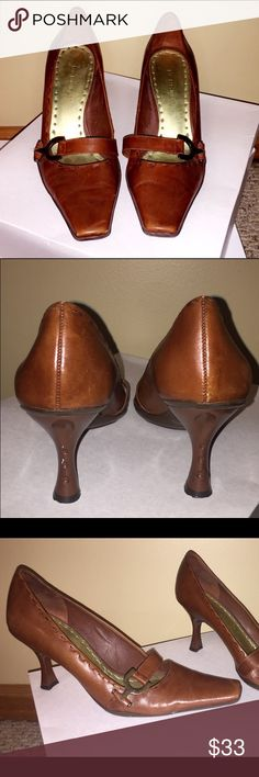 Women's leather BCBGirls 7.5 heels Women's leather BCBGirls  size 7.5 heels. I love leather and I love heels...what a perfect combo. These toe fronts will look really sharp with straight leg jeans or could be paired with an array of skirts and dresses. #PlywoodAndPearls BCBGirls Shoes Heels