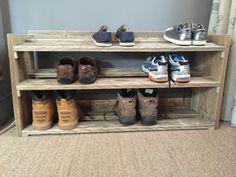 Étagère à chaussures bois palette recyclée à par ChewtonWoodDesign