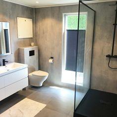 Svanesjø Nelly - Walk in dusj sort matt – Nygaard Bad Sorting, Toilet, Bathtub, Bathroom, Interiors, Standing Bath, Bath Room, Bath Tub, Litter Box