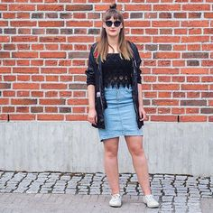 A denim skirt is a perfect choice for a sunny day, isn't it? ☀️ Check out Milja's 2nd hand outfit on the blog 👉 #linkinbio⠀  ⠀  #moreontheblog #newblogpost #outfit #blogger #blog #blogi #bloggers #secondhand #2ndhand #superga #denim #denimskirt #fleamarket #fleamarketfinds #fleamarketstyle #fashion #ootd #picoftheday