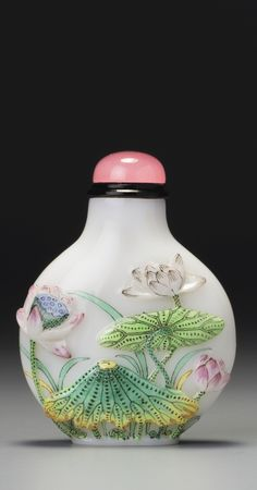 AN ENAMELLED GLASS 'LOTUS POND' SNUFF BOTTLE GUYUEXUAN MARK, QING DYNASTY, 18TH / 19TH CENTURY