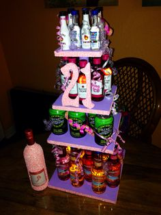 Girl version of a beer cake! 21st Birthday Gifts For Girls, 21st Bday Ideas, 21st Birthday Decorations, Teenage Girl Gifts Christmas, 21st Birthday Cakes, Unique Birthday Gifts, Best Friend Birthday, Birthday Celebration, 21 Birthday