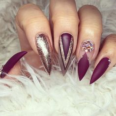 Learn how to make cute and easy stiletto nail designs ❤ It is not hard to create simple stiletto acrylic nails ❤ Check out our gallery with more than 20+ images for your inspired ❤ Our easy video tutorial help you to draw cute nail designs for stiletto nails at home ❤ See more at LadyLife