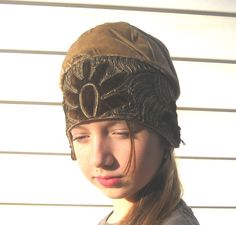 1920s Art Deco gold velvet and embroidered flapper cloche by SplendoreBoutique on Etsy https://www.etsy.com/listing/111817495/1920s-art-deco-gold-velvet-and