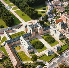 My favorite place in the whole world! Schwetzingen Schloss und Schlossgarten in Schwetzingen Germany
