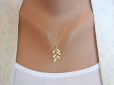 I LOVE this leaf necklace! 25 dollars is such a good deal for this too!