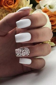 30 Wow Wedding Nail Ideas ❤ nail ideas wedding all white with roses and silver paulines_studio Are you dreaming about the perfect bridal look? Don't forget to choose cool design for your nails. You will find in our gallery cute wedding nail ideas. Natural Wedding Nails, Simple Wedding Nails, Wedding Nails For Bride, Bride Nails, Wedding Nails Design, Nail Wedding, Glitter Wedding, Cute Nails, Pretty Nails