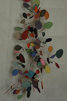 sophie cuvelier This reminds me of dipity glass back in the Mobiles, Instalation Art, Do It Yourself Inspiration, Kinetic Art, Art Abstrait, Wire Art, Art Plastique, Hanging Art, Art Images