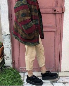 how to style outfits Look Fashion, 90s Fashion, Korean Fashion, Fashion Outfits, Womens Fashion, Mode Style, Style Me, Moda Converse, Goth Outfit