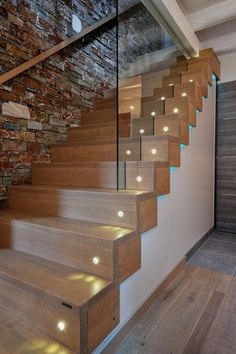 Glass railing on custom stairs with double steps. Discover all the railings of Passion Bois: the specialist of the contemporary staircase in Contes www. Staircase Pictures, Wood Staircase, Modern Staircase, Home Stairs Design, House Design, Stairway Lighting, Escalier Design, Glass Railing, Stair Steps