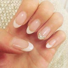 french nails for wedding Short Hair Bridal Nails, Wedding Nails, Colorful Nail Designs, Nail Art Designs, Cute Nails, Pretty Nails, Pointed Nails, Round Nails, Chrome Nails
