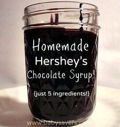 Hershey's Chocolate Syrup DIY Hershey's chocolate syrup with 5 ingredients. Made this yesterday and it tastes EXACTLY like the real thing!DIY Hershey's chocolate syrup with 5 ingredients. Made this yesterday and it tastes EXACTLY like the real thing! Chocolate Syrup Recipes, Homemade Chocolate Syrup, Chocolate Sauce Recipe Cocoa, Hershey Syrup, Do It Yourself Food, Salsa Dulce, Hershey Chocolate, Hot Chocolate, Chocolate Gravy
