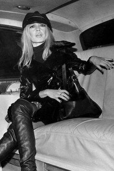 Brigitte Bardot arriving in London for the premiere of Shalako december 1968