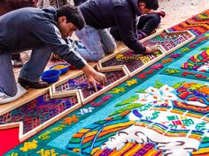Conde Nast Traveler Easter in Guatemala: Antigua's Alfombras Decorate the City for Semana Santa Local artists use stencils to quickly assemble the carpets, since they have just 24 hours the day before the Good Friday processions to create these works of art that are sometimes half a mile long.