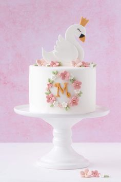 Baby Birthday Cakes, Birthday Cake Toppers, Cupcake Toppers, Diy 1st Birthday Decorations, Girly Cakes, Diy Cake Topper, Baby Shower Cakes For Boys, Cake Decorating Tips, Cake Art