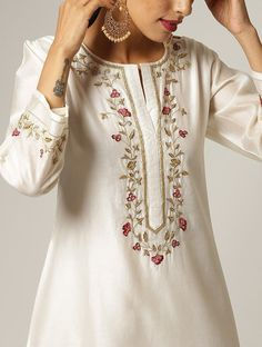 Embroidery On Kurtis, Kurti Embroidery Design, Flower Embroidery Designs, Embroidery Fashion, Embroidery Dress, Silk Kurti Designs, Kurta Designs Women, Kurti Designs Party Wear, Neck Designs For Suits