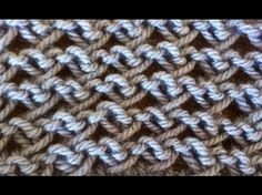 Can't find it in English, but the video is very clear, I think. Probably cast on an even number. Easy Knitting Patterns, Knitting Videos, Lace Knitting, Knitting Stitches, Knitting Designs, Stitch Patterns, Crochet Patterns, Simple Knitting, Chevron Crochet