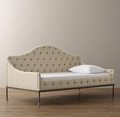 Francesca Tufted Daybed