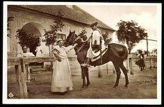 Hortobágy A csárda előtt 1945 előtti képeslapon | Képcsarnok | Hungaricana