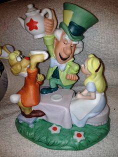 Disney Collection Magic Memories Figurine  Ltd Ed. Alice In Wonderland