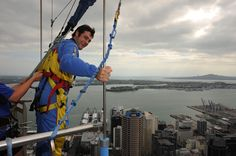 V8 Supercars drivers tour Auckland ahead of the ITM 400 Auckland