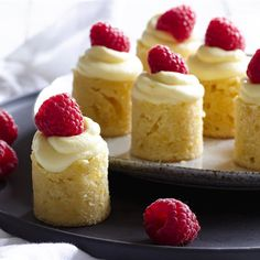 Mini White Chocolate & Raspberry Mudcakes