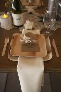 Thinking of using bamboo disposable dinnerware (NOT flatware) as it's cheaper than renting and it looks unique & rustic.