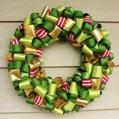 Ribbon Wreath!! I like these colors.