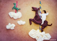 """These creative photography of baby nap-time into dream adventures creates by mother of three sons, The project is called """"Wengen in Wonederland"""". Creative Photography, Amazing Photography, Photography Ideas, Foto Fantasy, Foto Newborn, Holly Madison, Jüngstes Kind, Adventure Photos, Foto Baby"""