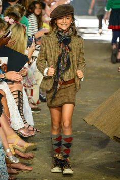 ALALOSHA: VOGUE ENFANTS: RALPH LAUREN Girls Fashion Show FW2013/14